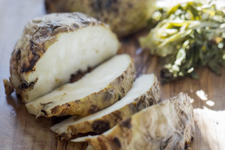 Céleri-rave cuit au foin et petit lait amer