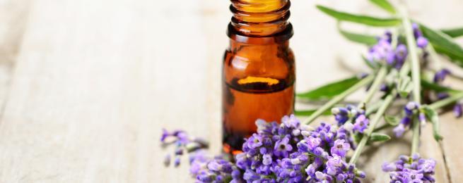 Quelles huiles essentielles contre les coups de soleil?