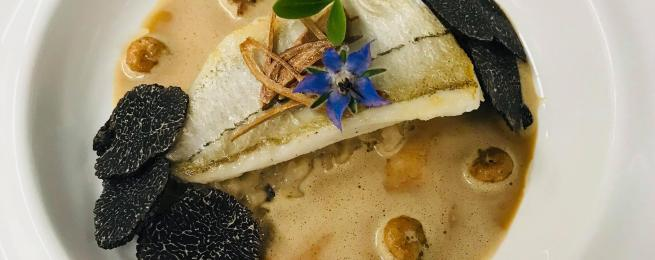 Filet d'églefin, risotto et rabasse, sucs de crevettes grises