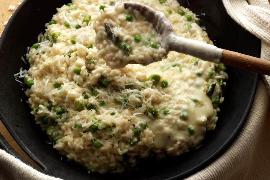 Risotto aux asperges, petits pois et fondue aux 4 fromages